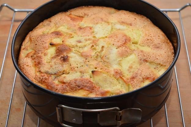 Шарлотка с яблоками рецепт в духовке рецепт