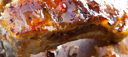 Нежные запеченные ребрышки под сладким тайским соусом чили